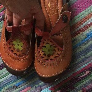 Lartiste spring step shoes